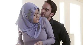 Teens Love Anal - Analyzing Woman in Hijab
